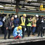 痛ててててて大学にゆく•••も中野駅で人身事故   721
